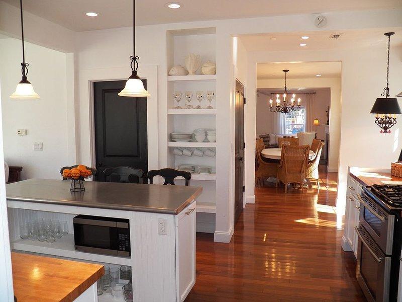 THE BEAUTIFUL HOUSE**6/4.5**SUN & FUN* FLORIDA RELAXATION**CLOSE TO BEACH, IM, holiday rental in Bradenton