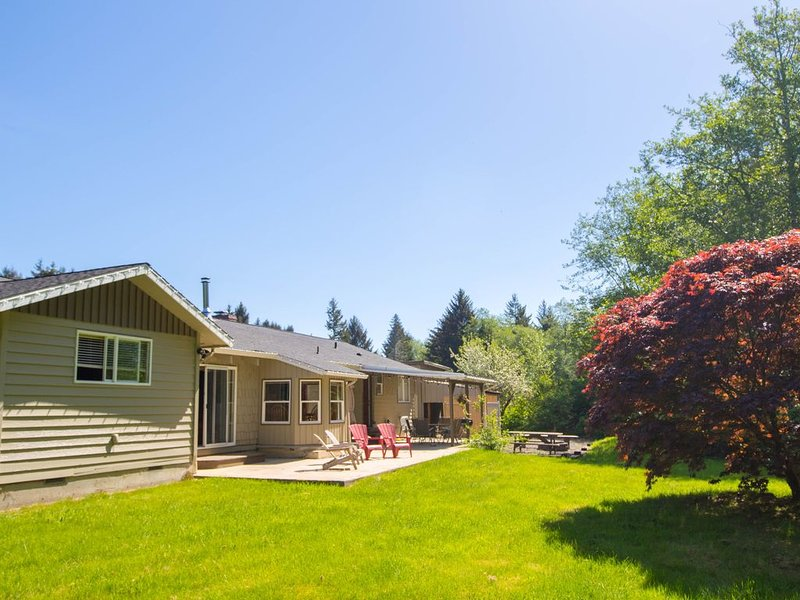 ★ Tranquil 4BR Home ideal for Couples & Groups! ★, alquiler vacacional en Beaver