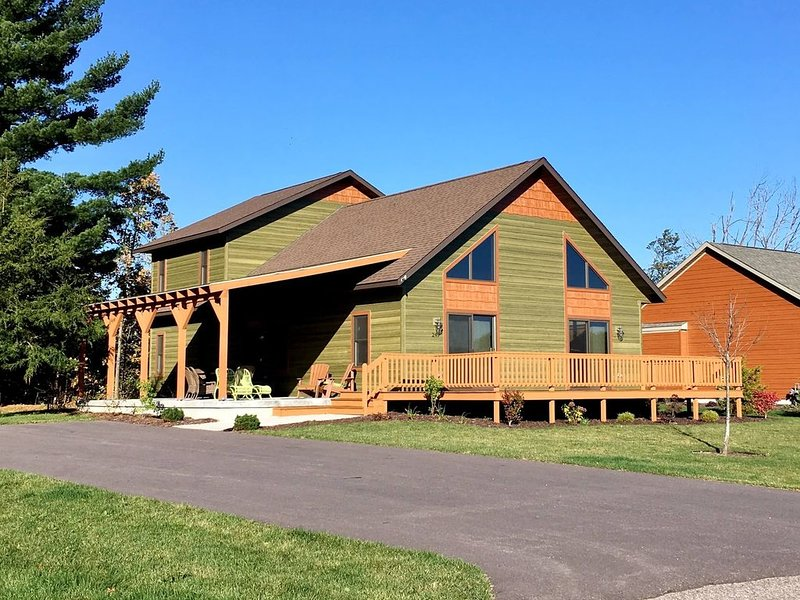 Aspen Chalet * Spring Brook Resort | Incredible Two Story Chalet in Wisconsin De, vacation rental in Wisconsin Dells