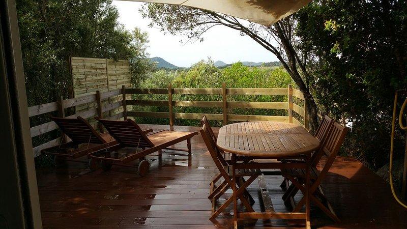 Appartement calme en pleine nature idéal pour profiter du Sud de la Corse, vacation rental in Figari