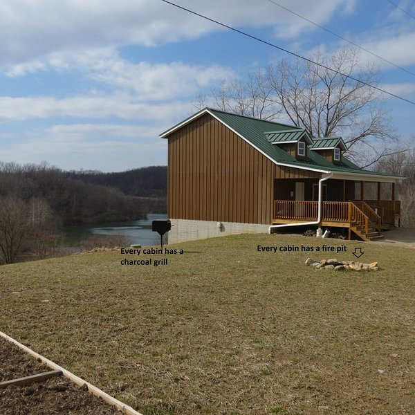 Fish cabin rental in the beautiful country setting of Belmont County Ohio, alquiler de vacaciones en Freeport