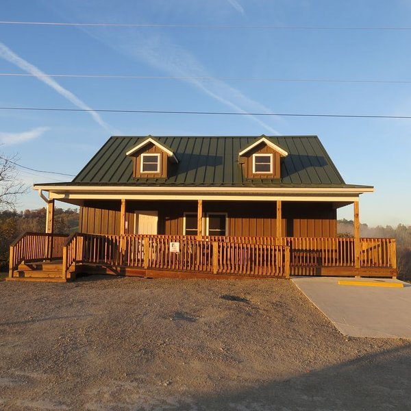 Deer cabin rental in the beautiful country setting of Belmont County Ohio, alquiler de vacaciones en Freeport