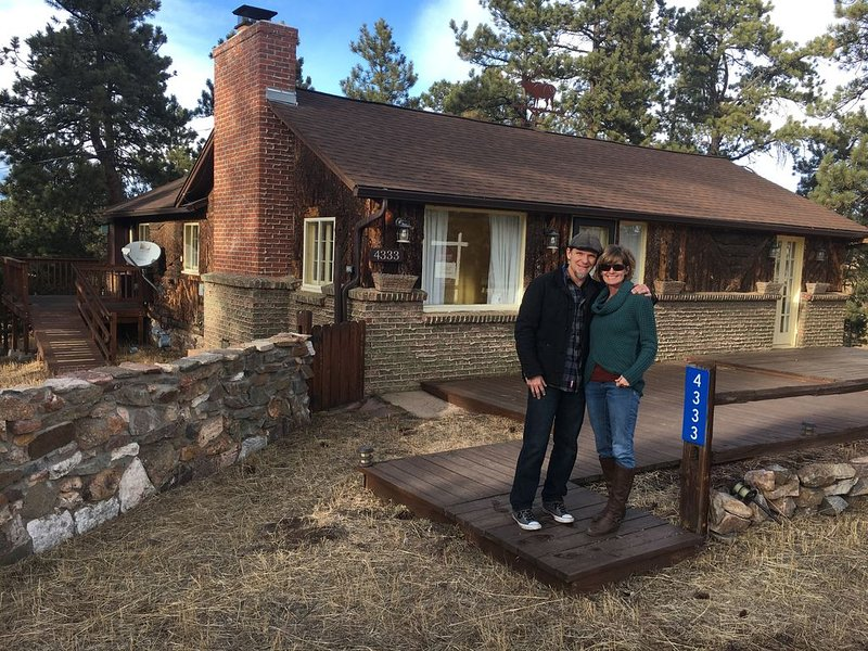 Peaceful Mountain Getaway close to Red Rocks and Denver, holiday rental in Morrison