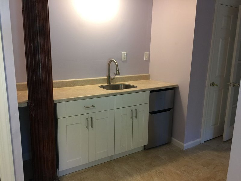 Large Apartment Close To Manhattan - Resort Style, vacation rental in Cos Cob
