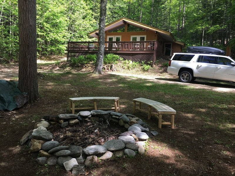 Jackson, NH - Five Minutes to Story Land - Triple Bunk Beds - Family Friendly, Ferienwohnung in Hart's Location