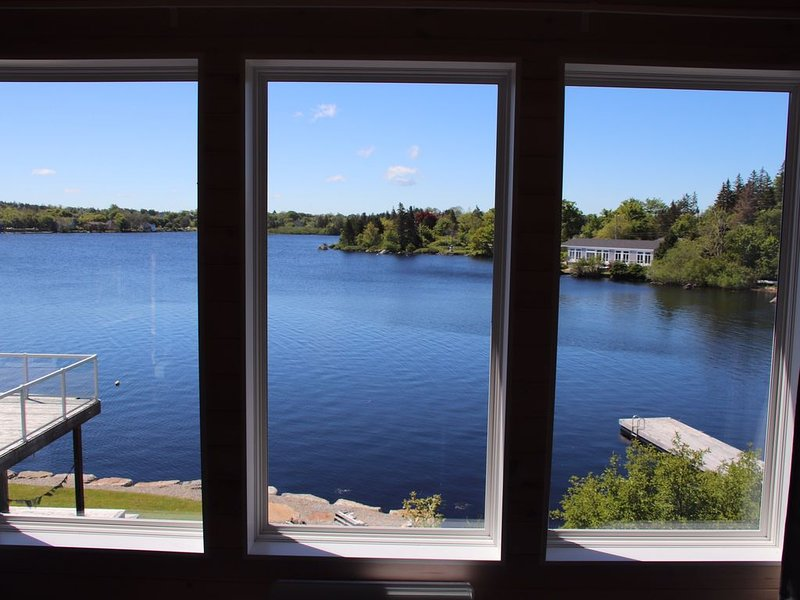 Modern Lakefront loft only 5 minute drive to the town of Yarmouth, holiday rental in Tusket