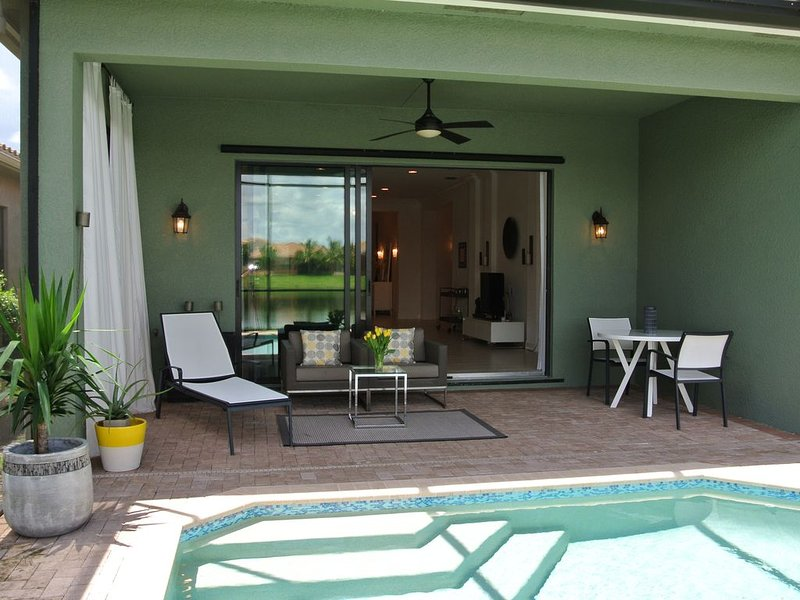 Gorgeous New 3 Bedroom 3 Bath Home With Heated Private Pool And Lake Views!!!, holiday rental in North Naples