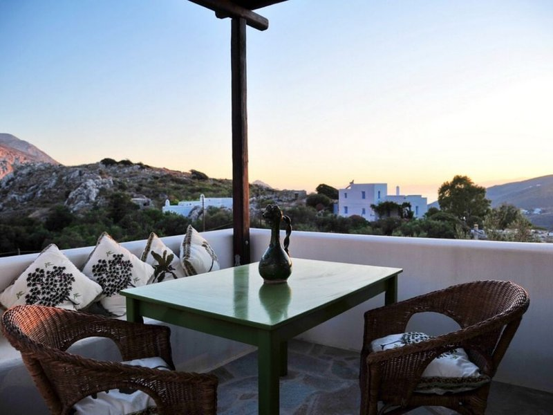 SPYRIDON house, your typical cycladic home in Langada., holiday rental in Donousa Town