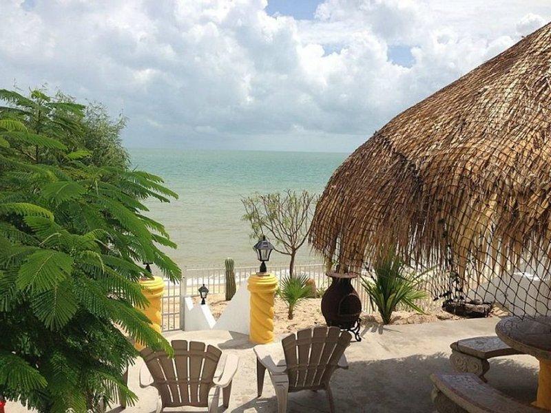 Casa Palmas for up to 20 guests, location de vacances à San Felipe