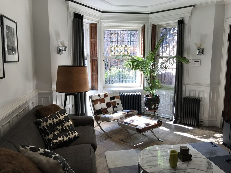 Beautiful Garden apartment on Park Slope's famous Sportsman's Row., holiday rental in Brooklyn