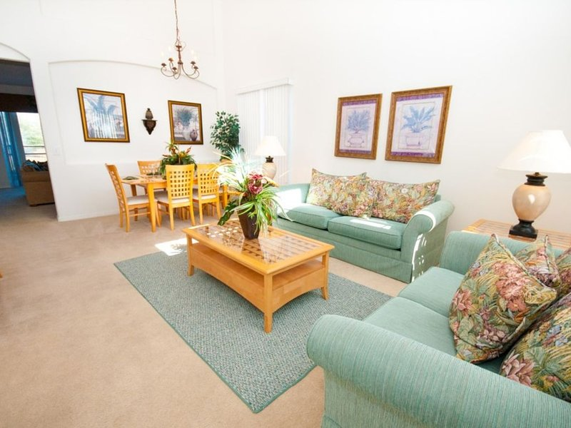 4 Bedroom 3 Bathroom Vacation Pool Home With Garage. Orlando, Florida., holiday rental in Polk City