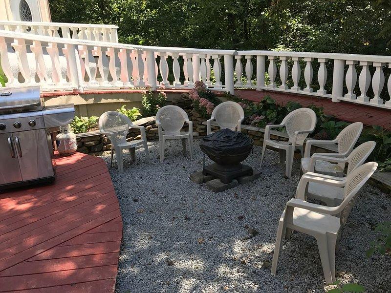 Elegant, quiet, charming Norris Lake front property with private boat dock, alquiler de vacaciones en Sharps Chapel