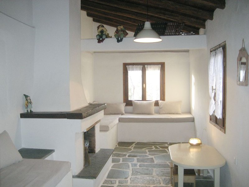 Restored,  Pilio Stone House With Great View, vacation rental in Platanias