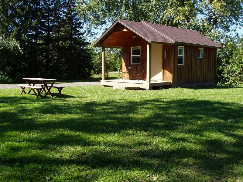 Owasco Hill Cabin in the Finger Lakes Region of New York, holiday rental in Ridgemont