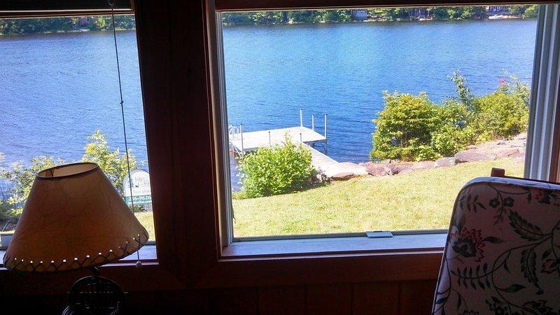 Lakeside camp on Pitcher Pond, alquiler de vacaciones en Islesboro