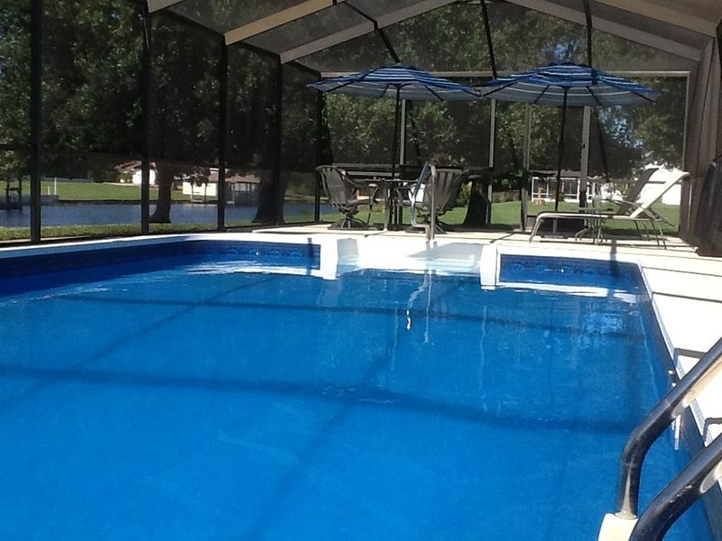 Waterfront Pool Home- Fishing, Golfing, Sport Shooting, vacation rental in Frostproof