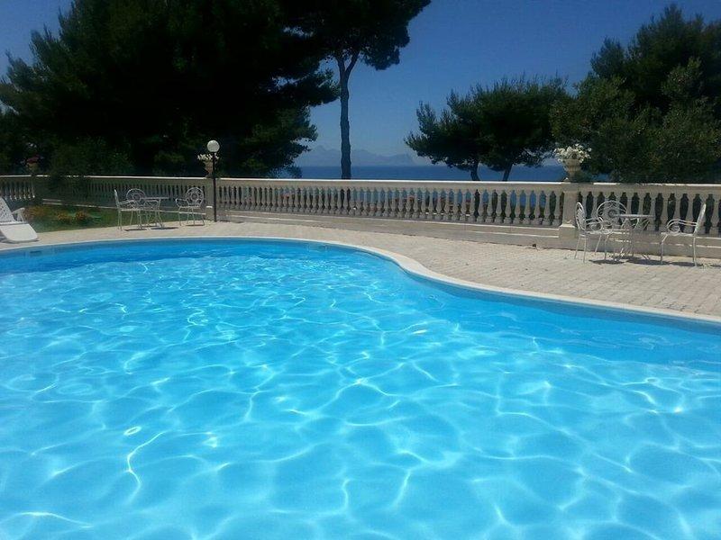 villa Nunziatella   BLUEMOON, holiday rental in Trappeto