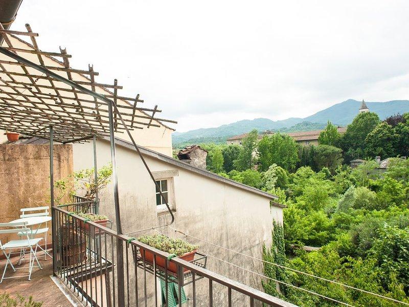 Casa Edda - Centro storico Pontremoli, vacation rental in Borgo val di Taro