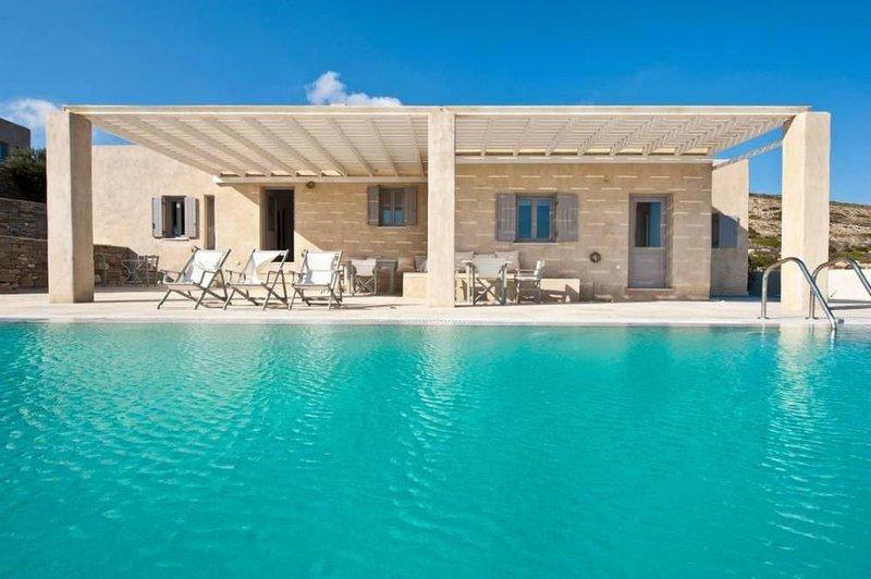 Villa d'exception avec piscine privée/Naoussa, aluguéis de temporada em Naoussa