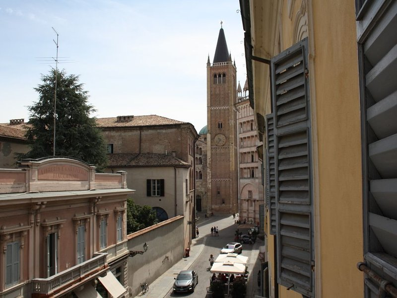 MP al Duomo apartment, holiday rental in Province of Parma