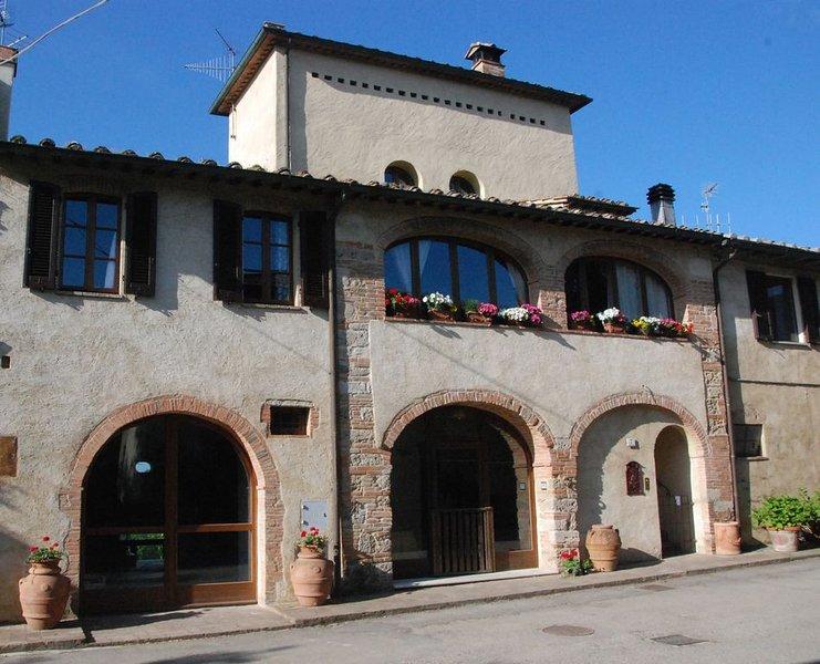 Casa di campagna Leopoldina a Castiglioni, Ferienwohnung in Colle di Val d'Elsa
