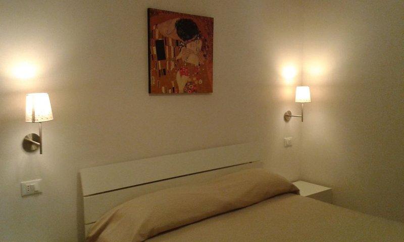 Elegante Appartamento di nuovissima costruzione 50 mq.+veranda.Villa I Gerani..., location de vacances à Coppitella