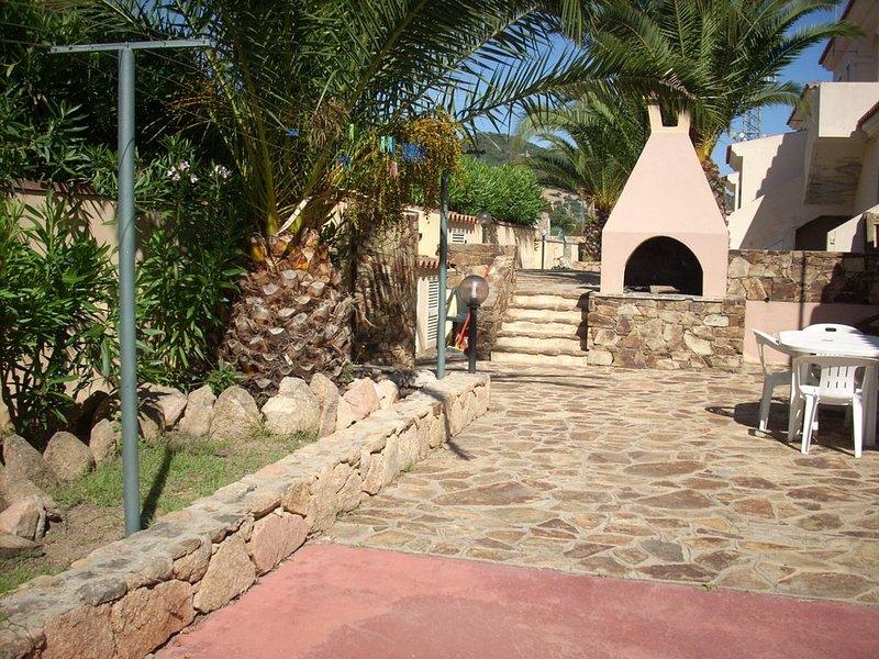 Casa oleandro n1 San Teodoro, holiday rental in San Teodoro