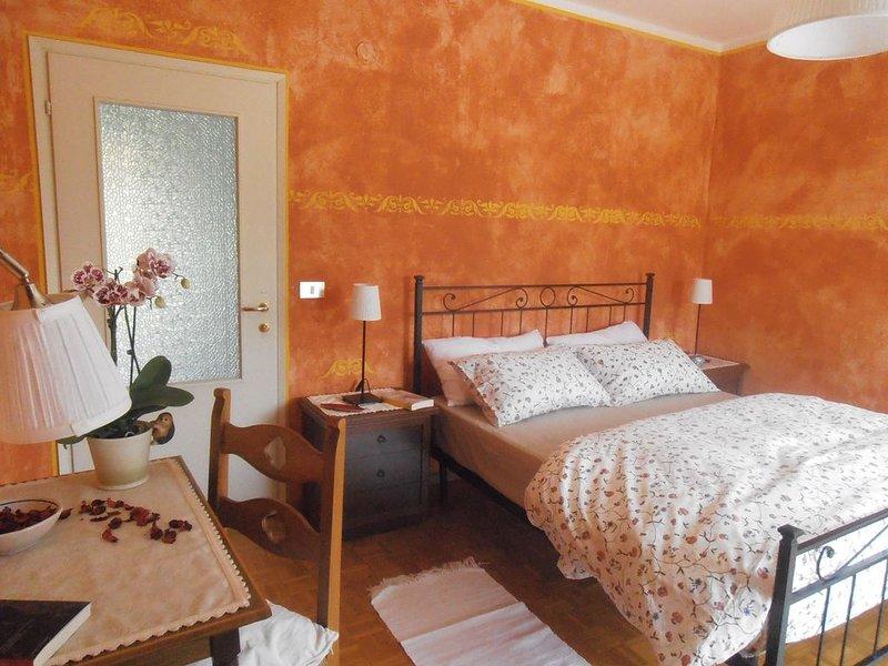 Casa autonoma nelle Dolomiti, escursioni guidate gratuite in estate, a Lamon, holiday rental in Tonadico