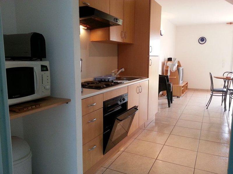 Grand appartement T2 + Terrasse dans une belle petite résidence, holiday rental in Le Tour-du-Parc