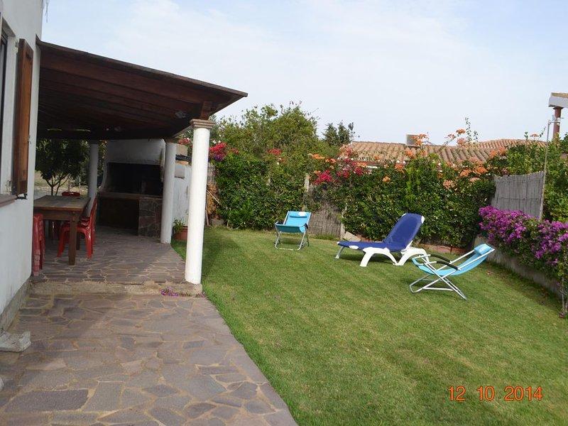 Casa con giardino ed ampie verande, vacation rental in Province of Carbonia-Iglesias