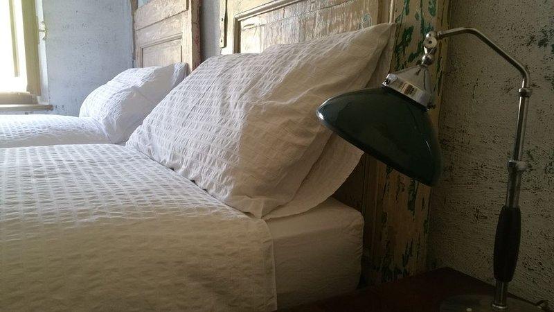 Camera con bagno e disimpegno, 2 posti letto, Ferienwohnung in Capriglio