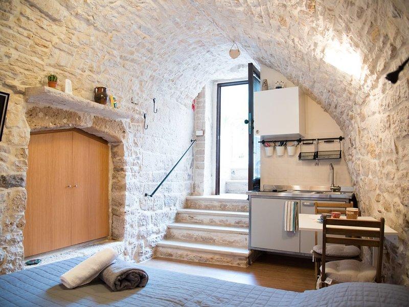 Rustico in Pietra Bianca, vacation rental in Giovinazzo