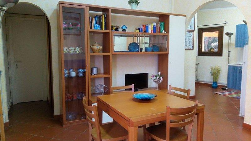 Bilocale, nuovo, nel cuore di Baja Sardinia, vacation rental in Baia Sardinia