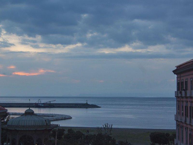 Ottima accomodation per vivere la costa e l'arte, holiday rental in Castellammare Di Stabia