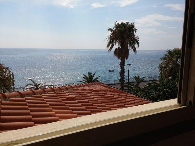 'Akron' vista mare vicino Taormina, alquiler vacacional en Forza d'Agro