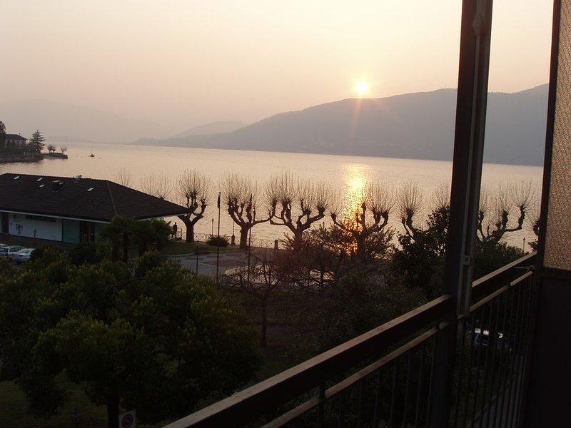 Casa vacanze a 50 metri dal Lago Maggiore, alquiler vacacional en Musadino