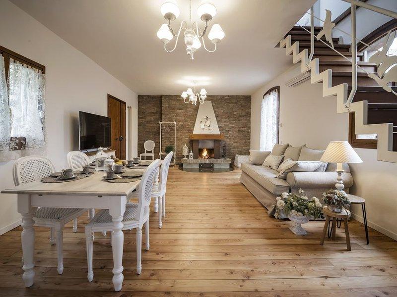 ACCADEMIA AL COLLE - CASA DELLE ROSE, holiday rental in Rastignano