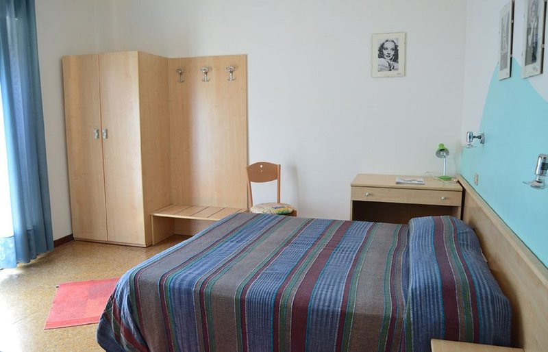 A double bed room in a family managed guest house, alquiler de vacaciones en Jesolo