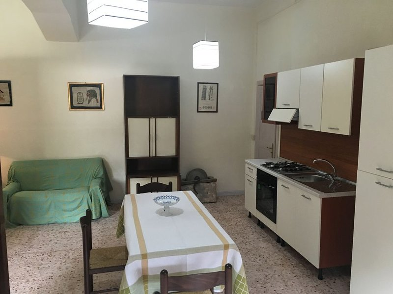 OFFERTA SPECIALE LUGLIO -AGOSTO ULTIME DISPONIBILITA', vacation rental in Maruggio