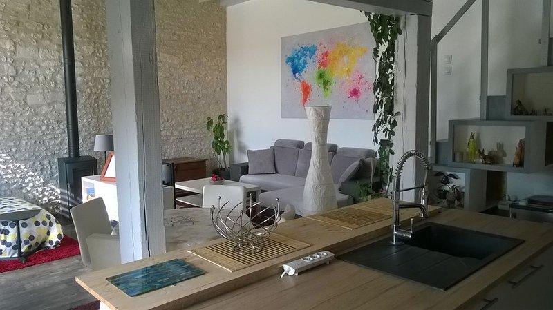 LOFT EN TOURAINE indépendant de 70 m² pour 4 personnes dans cour fermée, vu forê – semesterbostad i Les Ormes