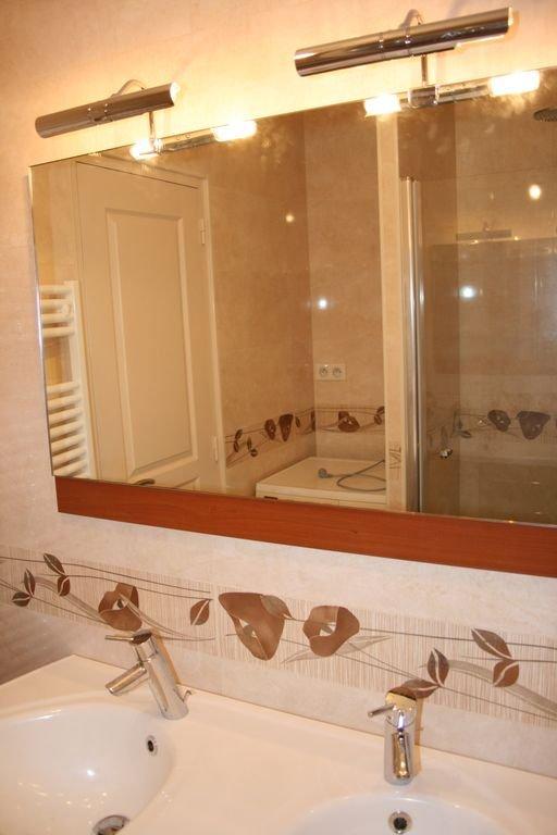 Banheiro lavatório duplo