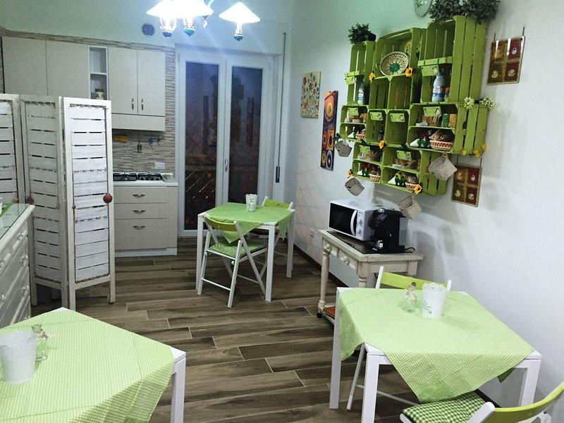 B&B Castello - Crotone: camere e/o appartamenti a 300 metri dal lungomare, holiday rental in Crotone