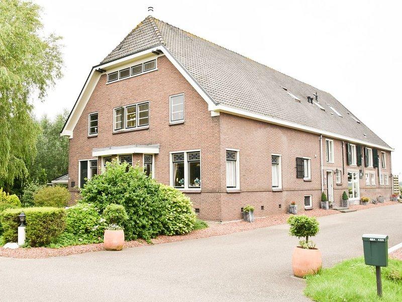 'In de Boerderij' Groepsaccommodatie midden in Nederland, holiday rental in Reeuwijk