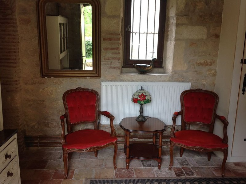 The Miller's Cottage, cosy retreat, sleep 5, private pool, free Wifi, vacation rental in Blanquefort-sur-Briolance