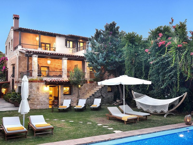 VILLA ARCHONTARIKI  - PRICE INCLUDES CAR for 2018, holiday rental in Kaliviani