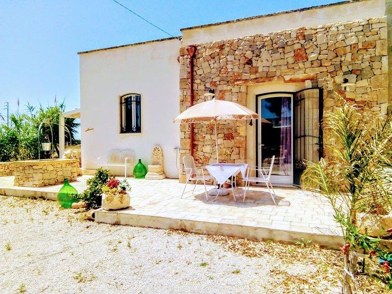 """Dimora """"Punica Granatum"""" (Melograno)  in Casale, holiday rental in Sant'Isidoro"""