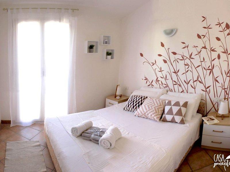 Casa Ponente: vista mare con piscina, vacation rental in Badesi
