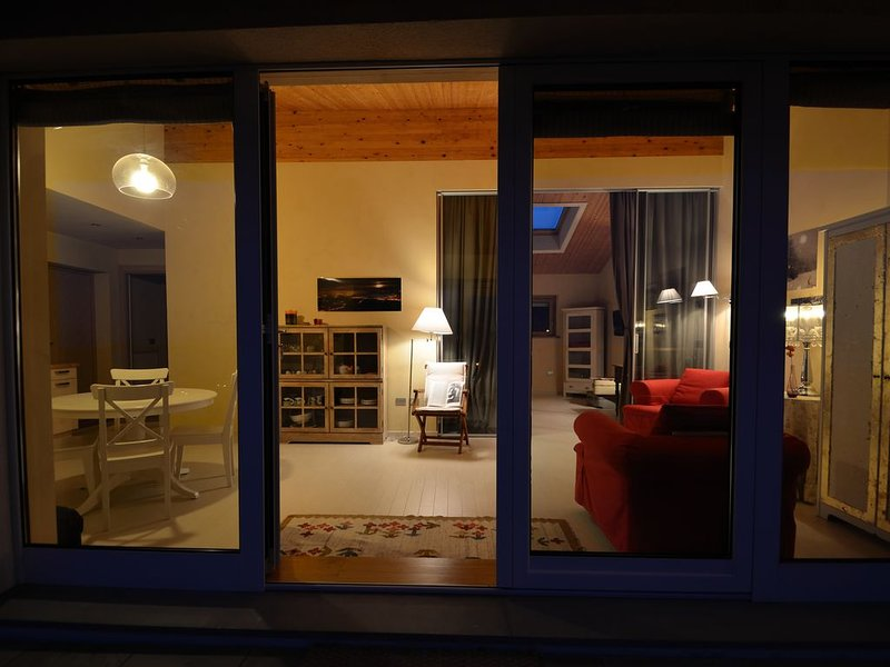 La Notte -Appartamento in casa ecosostenibile a La Morra, vacation rental in Verduno