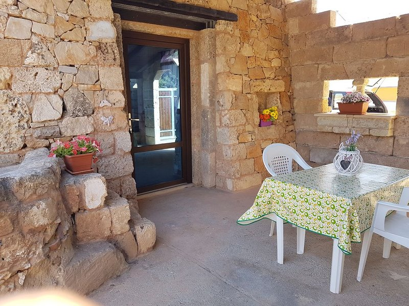 casa vacanze 'elisa'  200 mt dal mare, holiday rental in Baia di Gallipoli