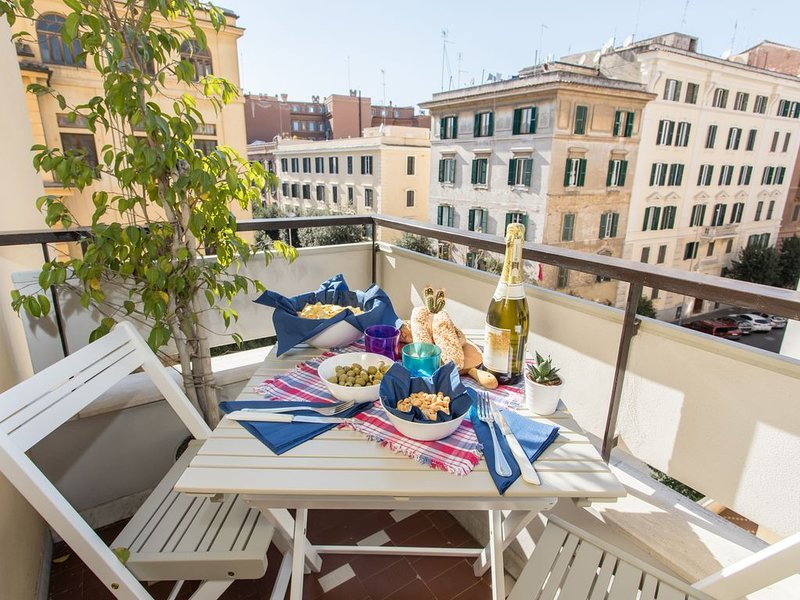 Bright Home in Rome, shadow of the Vatican, Ferienwohnung in Vatikanstadt